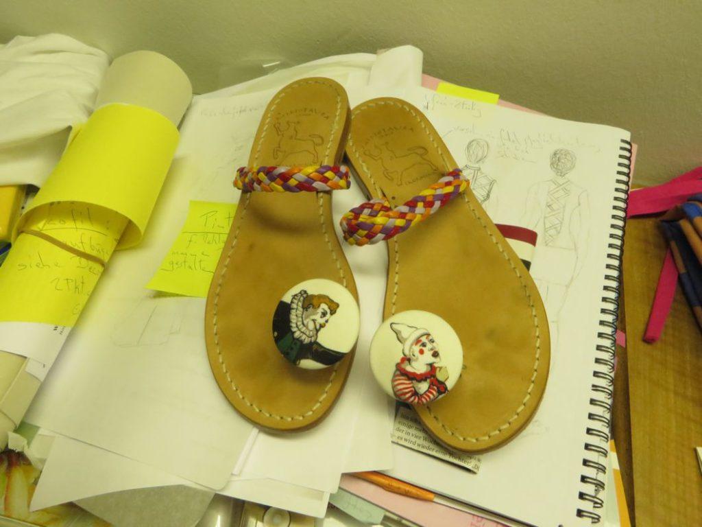 Sandals clowns