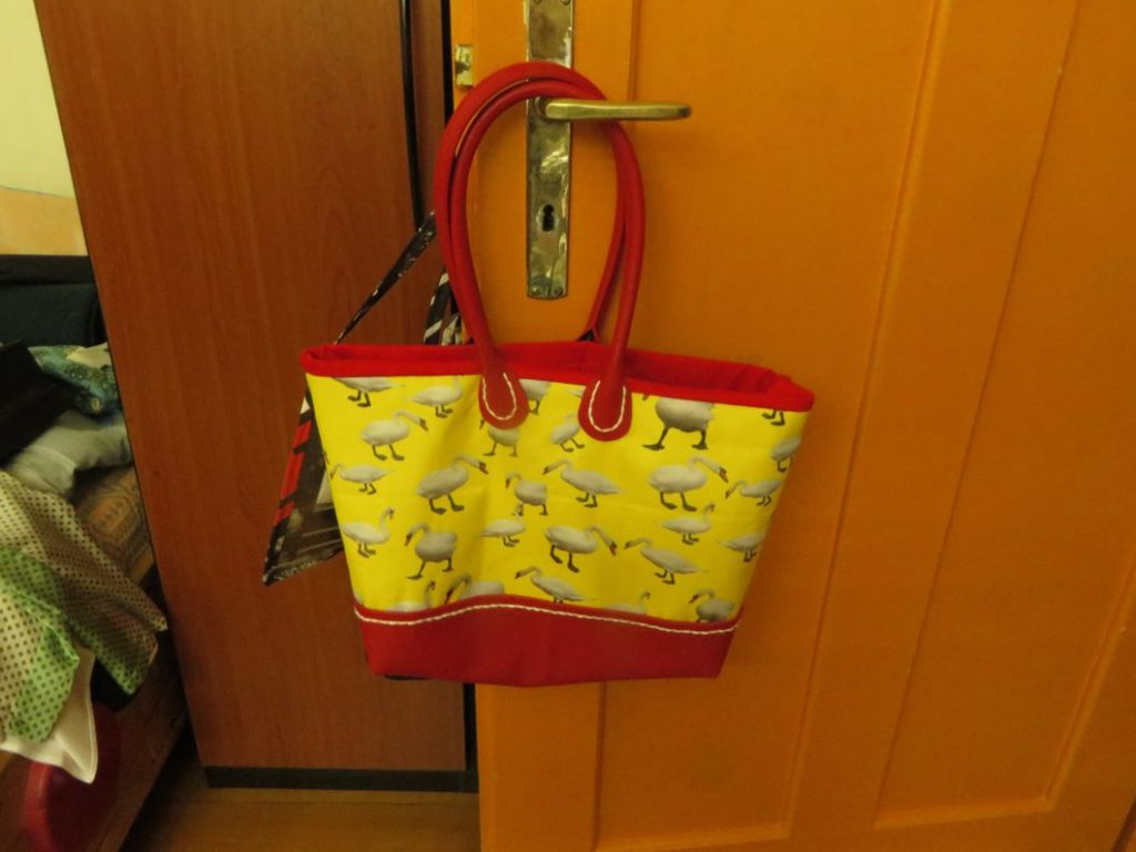 handbag swan yellow