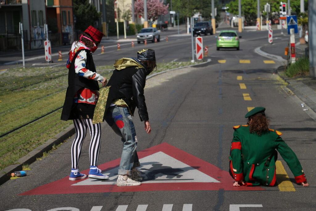 street meets aristocracy_228